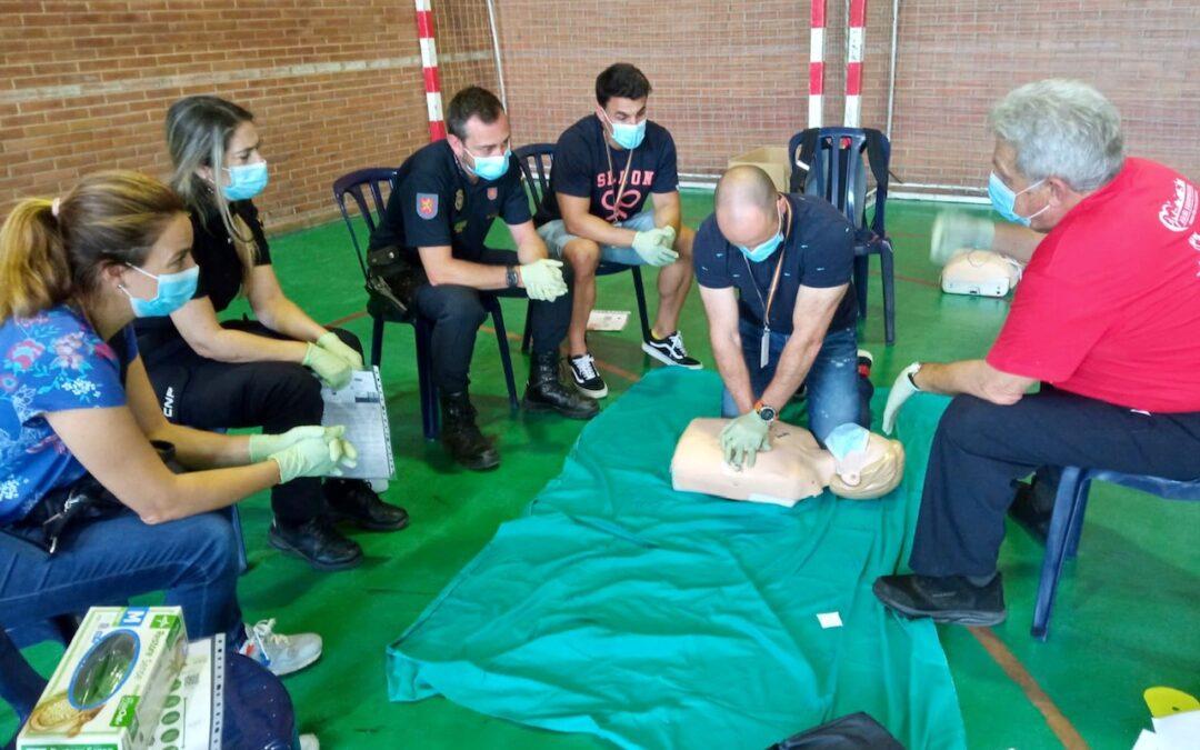 Curso de Resucitación Cardiopulmonar Básica (RCP) y uso del Desfibrilador Externo Automático (DEA) a la Policía Nacional de Málaga